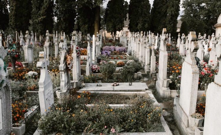 Is het afsluiten van een begrafenispolis noodzakelijk? Is het afsluiten van een begrafenispolis noodzakelijk