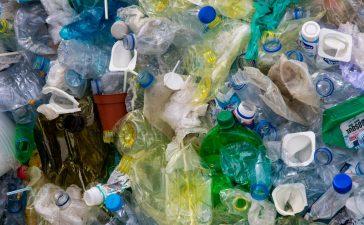 De beste manier om plastic bekerverbruik te verminderen